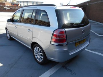 (55) 2005 Vauxhall/Opel Zafira 1.6i Club Air Conditioning Full Service History