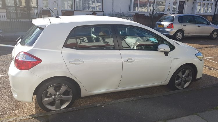Toyota Auris 1.8 T-Spirit Hybrid **FULLY LOADED!**