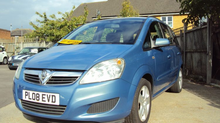 Vauxhall Zafira Exclusiv- 7 Seater- LONG MOT & With Service History – £2,499