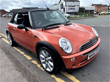2004 MINI CONVERTIBLE ONE ORANGE