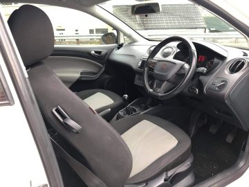 SEAT IBIZA 1.4 SE IN WHITE, 62 REG, VERY LOW MILEAGE (49,000), EXCELLENT CONDITION